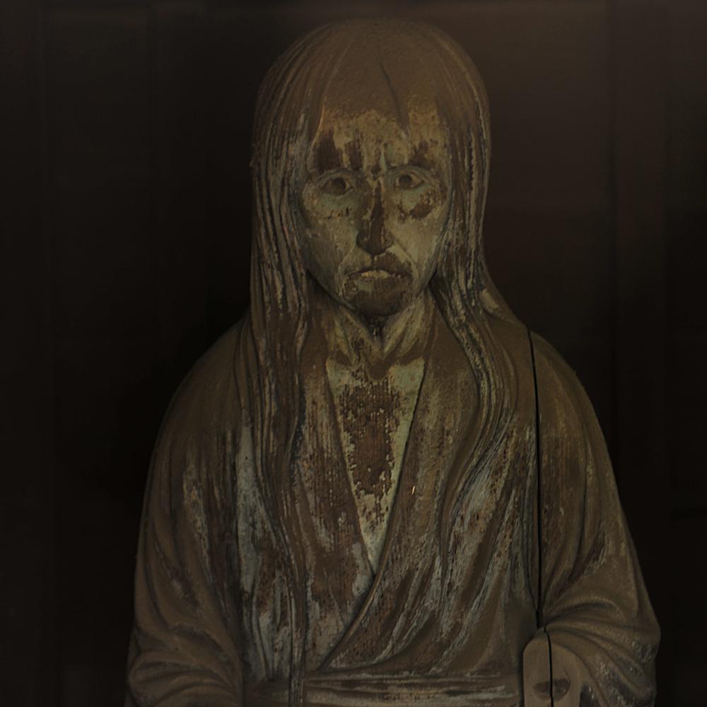妖怪門にある幽霊像
