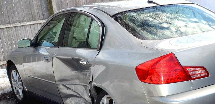 物損事故でゴールド免許は剥奪さ...